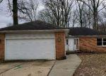 Foreclosed Home en E WATTLES RD, Troy, MI - 48085