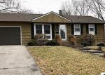 Foreclosed Home en OAK ST, Kansas City, MO - 64114