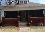 Foreclosed Home en N SPRINGER ST, Carbondale, IL - 62901
