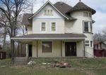 Foreclosed Home en N OAKWOOD AVE, West Chicago, IL - 60185