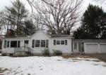 Foreclosed Home en WALNUT HILL RD, Bethel, CT - 06801