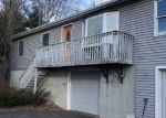 Foreclosed Home en MAPLE HILL RD, Naugatuck, CT - 06770