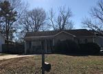 Foreclosed Home en GRAY OAKS DR, Bessemer, AL - 35020