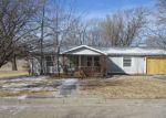Foreclosed Home en N 1ST ST, Herington, KS - 67449