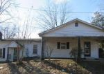 Foreclosed Home en W VALLEY AVE, Holly Springs, MS - 38635