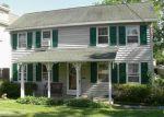 Foreclosed Home en BUTTONWOOD AVE, Eatontown, NJ - 07724