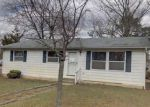 Foreclosed Home en CEDAR LAKE DR, Williamstown, NJ - 08094