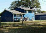 Foreclosed Home en W 8TH ST N, Wichita, KS - 67212