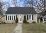 Foreclosed Home en TOLEDO AVE, Warwick, RI - 02888