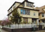 Foreclosed Home en MAPLEWOOD AVE, Bridgeport, CT - 06605