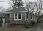 Foreclosed Home en OTTAWA AVE, Warwick, RI - 02889