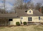 Foreclosed Home en ROCK SPRINGS DR, Alton, IL - 62002