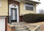 Foreclosed Home en KING ARTHUR LN, Godfrey, IL - 62035