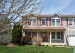 Foreclosed Home en FOXGLOVE DR, Zion, IL - 60099