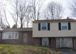 Foreclosed Home en CHESTNUT GROVE RD, Pottstown, PA - 19464