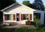 Foreclosed Home en S CHURCH ST, Spring City, PA - 19475