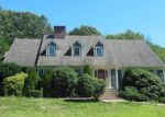 Foreclosed Home in COUNTRY CLUB WOODS CIR, Waterbury, CT - 06708