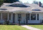Foreclosed Home en PARK ROW AVE, Dallas, TX - 75215