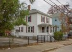 Foreclosed Home en WILLOW ST, Woonsocket, RI - 02895