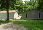 Foreclosed Home en WATERGATE DR, Shepherdsville, KY - 40165
