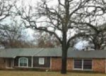 Foreclosed Home en MEADOWBROOK DR, Fort Worth, TX - 76112