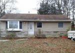 Foreclosed Home en LAKE CHAMPLAIN DR, Little Egg Harbor Twp, NJ - 08087