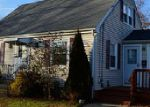 Foreclosed Home en GLADDING ST, Bristol, RI - 02809