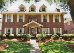 Foreclosed Home en ELMSCOTT DR, Pasadena, TX - 77505