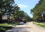 Foreclosed Home en KINTYRE POINT RD, Houston, TX - 77095