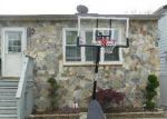 Foreclosed Home en TRUXTON RD, Island Park, NY - 11558