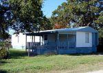 Foreclosed Home en ARROWHEAD DR, Granbury, TX - 76048