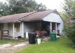 Foreclosed Home en ANGLETON ST, Houston, TX - 77033