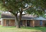 Foreclosed Home en SUNNYBROOK LN, Baytown, TX - 77521