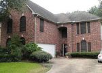 Foreclosed Home en ELMSCOTT DR, Pasadena, TX - 77505