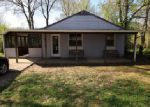 Foreclosed Home en W 3RD ST, Silver Grove, KY - 41085