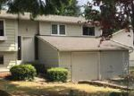 Foreclosed Home en 121ST AVE NE, Kirkland, WA - 98034