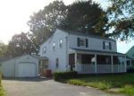 Foreclosed Home en VAN GREENBY RD, Lowell, MA - 01851