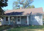 Foreclosed Home en CALIFORNIA ST, Columbus, IN - 47201