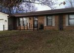 Foreclosed Home en COTTONWOOD DR, Columbus, IN - 47203