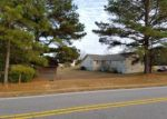 Foreclosed Home en SATTERWHITE POINT RD, Henderson, NC - 27537