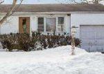 Foreclosed Home en MILANO AVE, Central Islip, NY - 11722