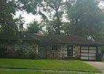 Foreclosed Home en GLEASON RD, Houston, TX - 77016