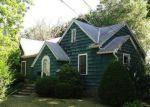Foreclosed Home en HAMILTON AVE, Brentwood, NY - 11717
