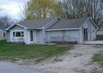 Foreclosed Home en S PEIGHTEL ST, Seymour, MO - 65746
