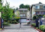 Foreclosed Home en RAINIER AVE S, Seattle, WA - 98118