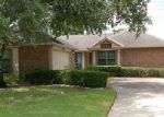 Foreclosed Home en LONG SHADOW DR, Houston, TX - 77015