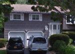 Foreclosed Home en W ORANGE ST, Brentwood, NY - 11717