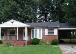 Foreclosed Home en LUKE ST, Blackstone, VA - 23824
