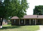Foreclosed Home en SUSAN LN, Dyersburg, TN - 38024