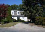Foreclosed Home en SELMA CIR, Milford, MA - 01757